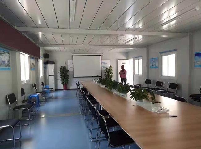 多箱组合会议室